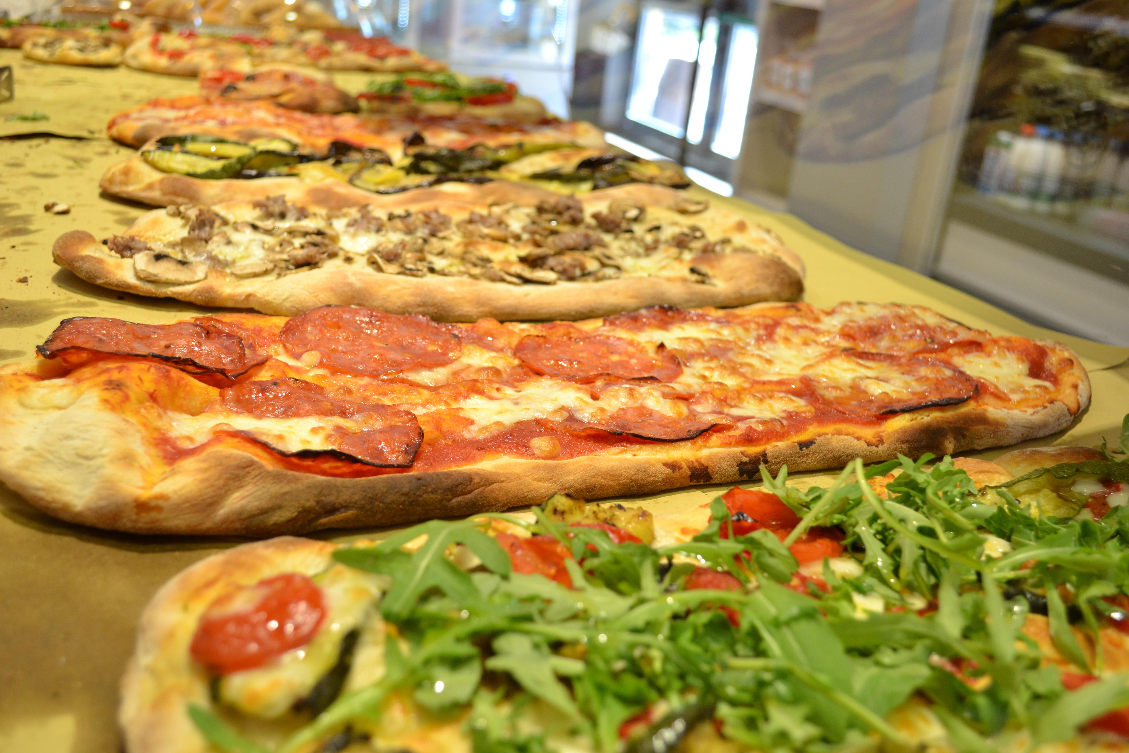 """Pizza """"alla pala"""""""